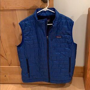 Patagonia men's sz large down vest